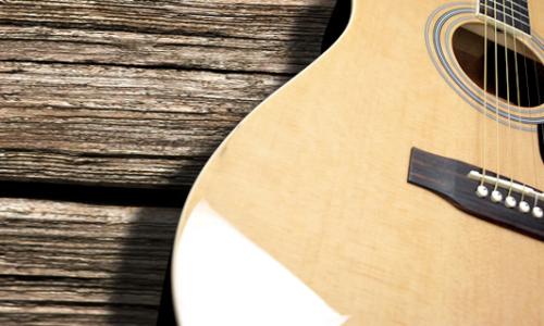 アコースティックギターを買うならおすすめのメーカーと通販サイトは?